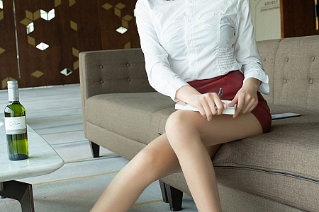 XiuRen第2393期_嫩模陆萱萱乌镇+太湖旅拍剧情酒后女孩主题无内肉丝裤袜诱惑写真73P