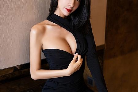 [XiaoYu画语界]Vol.308_气质女神Carry私房性感内衣配黑丝裤袜秀完美身材迷人写真90P