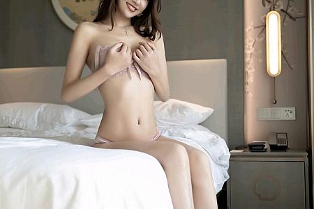 XiuRen第2760期_嫩模方子萱私房脱黑色吊裙露粉色蕾丝内衣秀婀娜身材诱惑写真52P