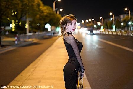 XiuRen第2858期_女神周于希Sandy脱黑色连衣裙露性感内衣黑丝裤袜娇媚动人写真74P