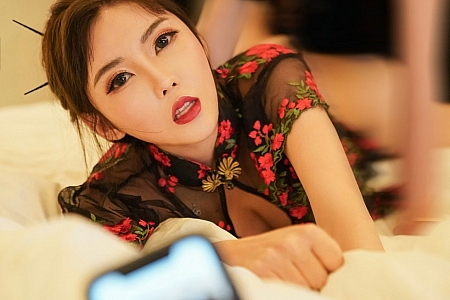 XiuRen第2849期_嫩模萌汉药baby&张雨萌韵味典雅旗袍主题撩人姿势惹火诱惑写真45P