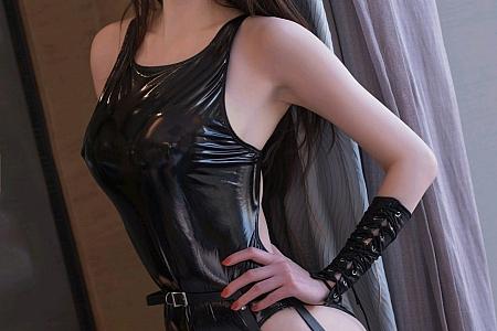 XiuRen第2923期_嫩模林芮希私房性感低胸内衣+高叉皮质内衣秀完美身材诱惑写真48P