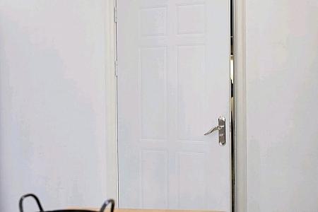 XiuRen第2932期_嫩模陆萱萱三亚旅拍私房性感内衣配开档黑丝裤袜完美诱惑写真72P