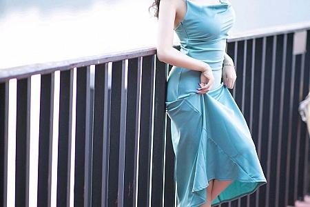 XiuRen第2997期_女神杨晨晨sugar私房典雅吊裙配蕾丝腿袜半撩秀翘臀诱惑写真67P