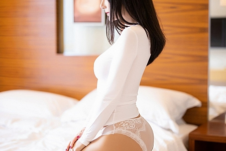 [XiaoYu画语界]Vol.454_嫩模何嘉颖私房明亮浴室白色真空服饰配透视内裤诱惑写真62P