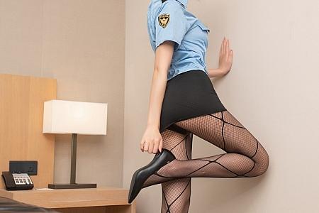 XiuRen第3027期_嫩模就是阿朱啊三亚旅拍情趣制服主题撩人姿势秀翘臀诱惑写真62P