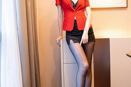 XiuRen第3069期_嫩模梦心月心愿旅拍红色职业装OL主题无内黑丝裤袜极致诱惑写真68P