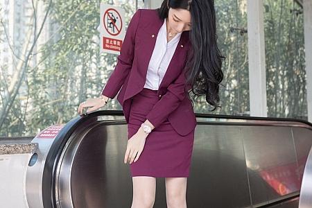 XiuRen第3092期_女神Angela小热巴末班地铁场景主题开档肉丝露蕾丝内裤诱惑写真87P