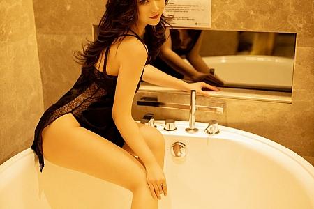 XiuRen第3100期_嫩模刘艾琳Allen私房浴室撩黑裙真空露白嫩翘臀极致诱惑写真39P