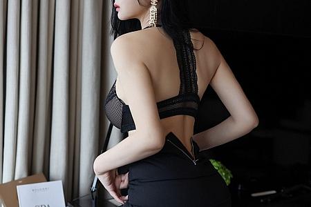 XiuRen第3101期_嫩模允爾白衬衫黑短裙职场OL主题半脱露蕾丝内衣秀豪乳诱惑写真61P