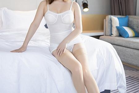 [XiaoYu画语界]Vol.474_嫩模豆瓣酱私房床上白色吊带内衣配蕾丝内裤超薄肉丝诱惑写真70P