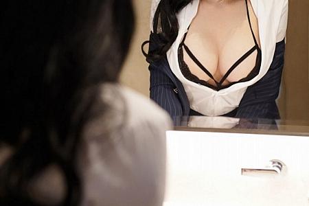 XiuRen第3124期_嫩模姝姝不是妹妹职场制服OL主题镂空内衣配黑丝网袜魅惑写真64P