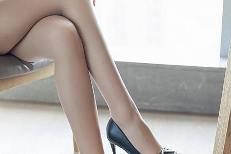 [IMISS爱蜜社]Vol.554_嫩模萌白酱职业装OL主题性感衬衣配肉丝裤袜完美诱惑写真72P