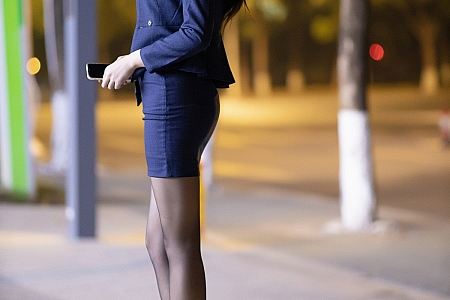 [XiaoYu画语界]Vol.481_嫩模娜比时尚外景车拍主题半脱露黑丝裤袜秀翘臀诱惑写真73P