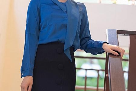 XiuRen第3182期_嫩模九月生职场秘书OL制服主题超薄黑丝裤袜秀翘臀诱惑写真47P