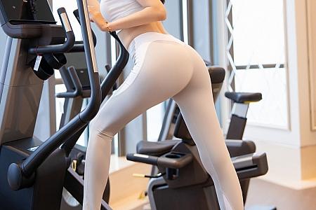 XiuRen第3186期_嫩模梦心月海南旅拍健身房内紧身运动内衣秀完美身姿诱惑写真64P