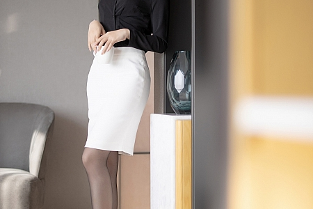 [XiaoYu画语界]Vol.489_女神芝芝Booty职场秘书OL主题镂空内衣配蕾丝吊袜极致诱惑写真93P