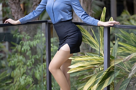 [XiaoYu画语界]Vol.490_嫩模娜比眼镜OL秘书制服露性感内衣蕾丝吊袜完美诱惑写真65P
