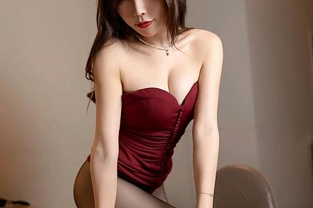 [XiaoYu画语界]Vol.506_女神芝芝Booty深V优雅晚礼裙配开档黑丝裤袜完美诱惑写真68P