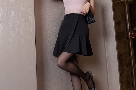 XiuRen第3299期_女神杨晨晨sugar半脱露性感黑色内衣配黑丝裤袜极致魅惑写真62P
