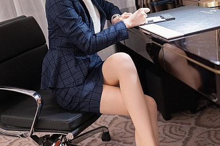 [IMISS爱蜜社]Vol.575_女神Angela00职场制服主题私房浴室粉色睡衣湿身诱惑写真54P