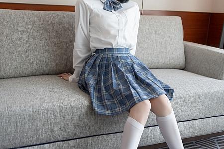 [XiaoYu画语界]Vol.508_新人模特豆瓣酱JK制服半脱露粉色内裤秀浑圆翘臀诱惑写真56P