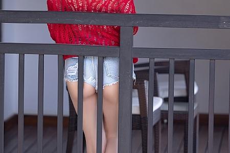 [XiaoYu画语界]Vol.520_女神杨晨晨sugar西双版纳旅拍性感内衣配丁字裤秀翘臀诱惑写真70P
