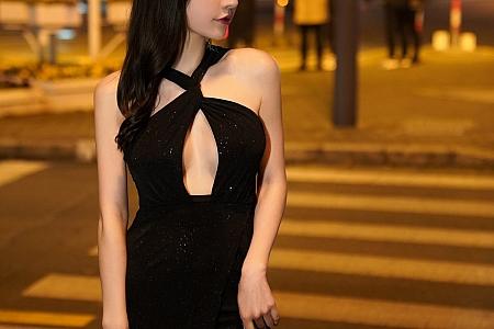 XiuRen第3478期_女神周于希Sandy黑色抹胸礼裙配闪亮黑丝裤袜极致魅惑写真55P