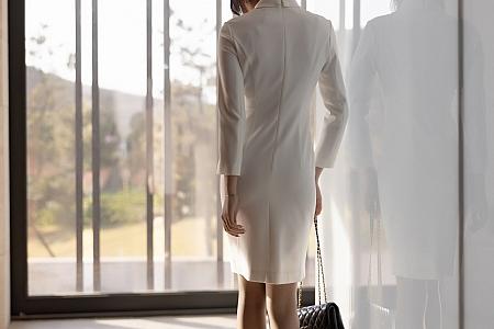 [XiaoYu画语界]Vol.544_女神芝芝Booty青岛旅拍典雅制服连身裙秀翘臀美腿诱惑写真86P