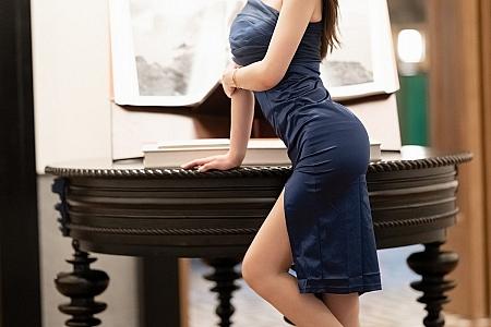 [IMISS爱蜜社]Vol.599_嫩模梦心月私房床上半脱露性感内衣秀完美身材诱惑写真72P