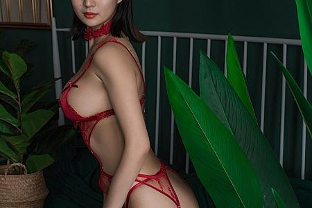 XiuRen第3522期_嫩模久久Aimee私房红色情趣内衣+红色死库水完美诱惑写真55P