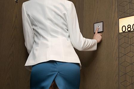 XiuRen第3527期_嫩模唐安琪&陆萱萱酒店SPA主题性感内衣露火辣身材诱惑写真70P
