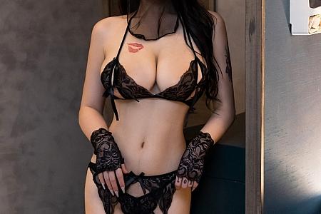 XiuRen第3573期_嫩模美七Mia异域风情主题私房情趣内衣秀惹火身段撩人诱惑写真66P