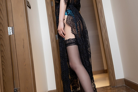 XiuRen第3632期_女神杨晨晨Yome私房性感内衣配镂空蕾丝吊袜极致诱惑写真42P