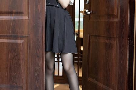 XiuRen第3643期_女神芝芝Booty女仆剧情主题私房黑色内衣配白色吊袜诱惑写真101P