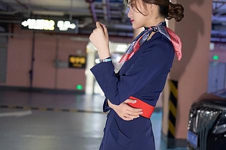 XiuRen第3717期_模特文芮jeninfer职业空姐制服主题豪车里超薄黑丝秀翘臀诱惑写真44P