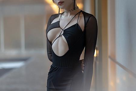 [XiaoYu画语界]Vol.581_女神芝芝Booty森系朦胧私房主题黑色服饰配黑丝吊袜诱惑写真88P