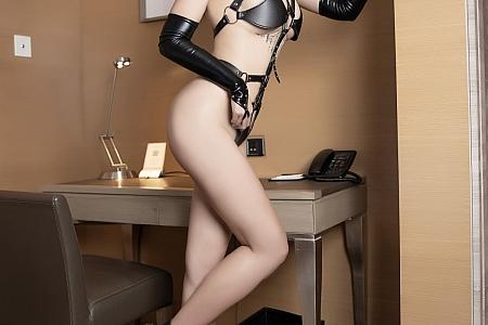 [XiaoYu画语界]Vol.584_模特娜比居家私房黑色皮质情趣内衣秀凹凸身材惹火诱惑写真45P