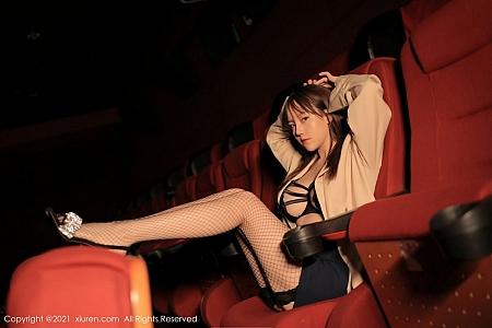 XiuRen第3752期_模特豆瓣酱私房黑色情趣内衣配黑丝网袜秀丰满身材诱惑写真44P