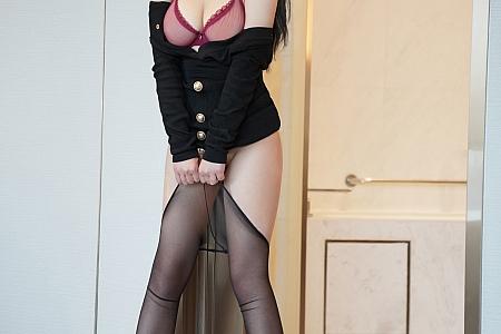 XiuRen第3769期_模特fairy如歌私房黑色服饰配超薄黑丝裤袜秀翘臀美腿诱惑写真42P