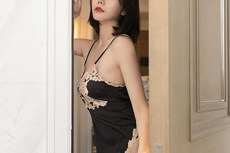 XiuRen第3788期_模特安然Maleah黑色情趣服饰主题黑丝吊袜秀翘臀美腿诱惑写真77P