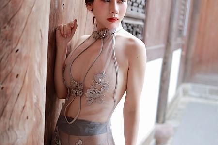 XiuRen第3808期_模特尹甜甜精致轻透镂空情趣内衣配灰丝裤袜秀豪乳翘臀诱惑写真60P