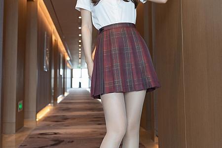 XiuRen第3810期_模特唐安琪清纯动人JK制服半脱露超薄肉丝裤袜迷人诱惑写真75P