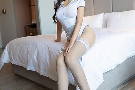 [XiaoYu画语界]Vol.595_女神王馨瑶yanni私房性感护士制服半脱露无内肉丝裤袜诱惑写真76P