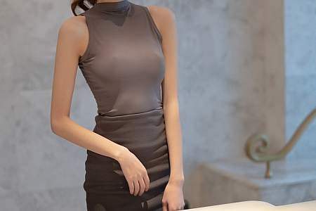 [XiaoYu画语界]Vol.599_模特程程程-典雅都市OL主题撩裙露开档肉丝裤袜迷人诱惑写真88P