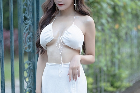 [XiaoYu画语界]Vol.600_女神王馨瑶yanni户外清凉装扮+私房黑色镂空内衣撩人诱惑写真70P
