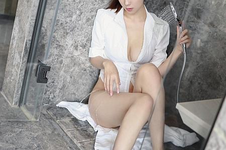 XiuRen第3856期_模特李雅柔182CM洁白衬衫主题浴室半脱秀诱人胴体湿身诱惑写真46P