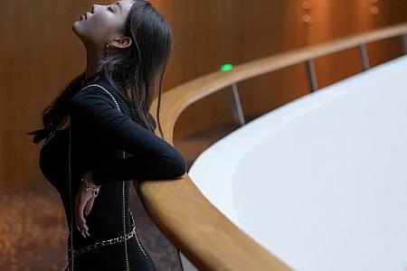 XiuRen第3878期_女神杨晨晨Yome黑色连身裙配超薄黑丝裤袜秀完美身材诱惑写真87P